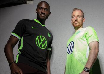 Camisetas Nike del VfL Wolfsburg 2020/2021   Imagen Web Oficial