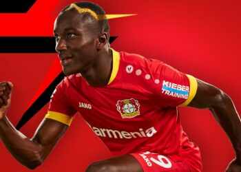 Camiseta suplente Jako del Bayer 04 Leverkusen 2020/21 | Imagen Web Oficial
