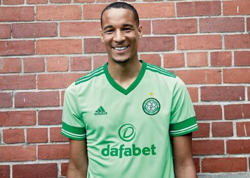 Camiseta suplente adidas del Celtic FC 2020/21   Imagen Web Oficial