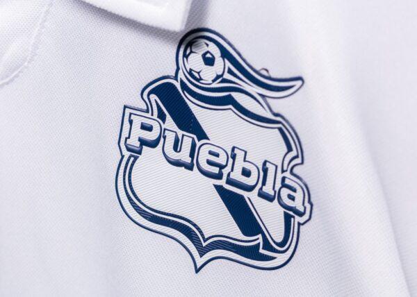 Camiseta local Umbro del Club Puebla 2020/21 | Imagen Twitter Oficial