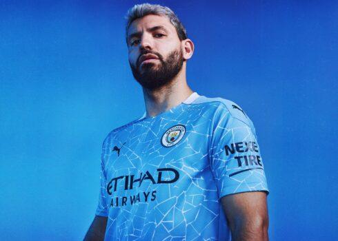 Kun Agüero con la nueva camiseta titular del Manchester City 2020/2021 | Imagen Puma
