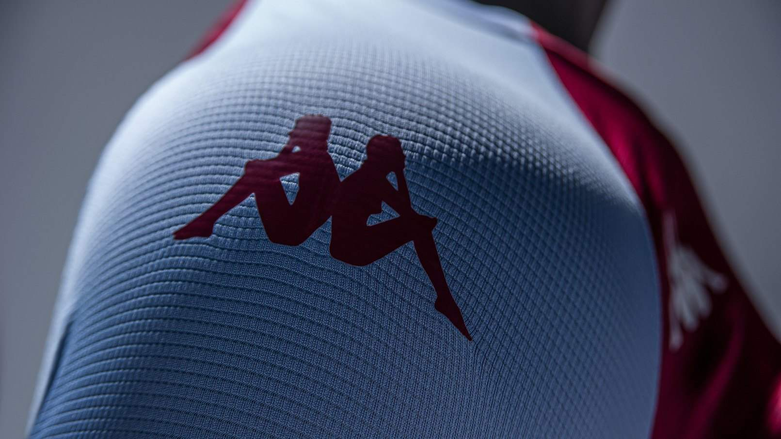 Camiseta Kappa del Aston Villa 2020/21 | Imagen Web Oficial