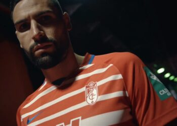 Equipaciones Nike del Granada CF 2020/2021   Imagen Web Oficial