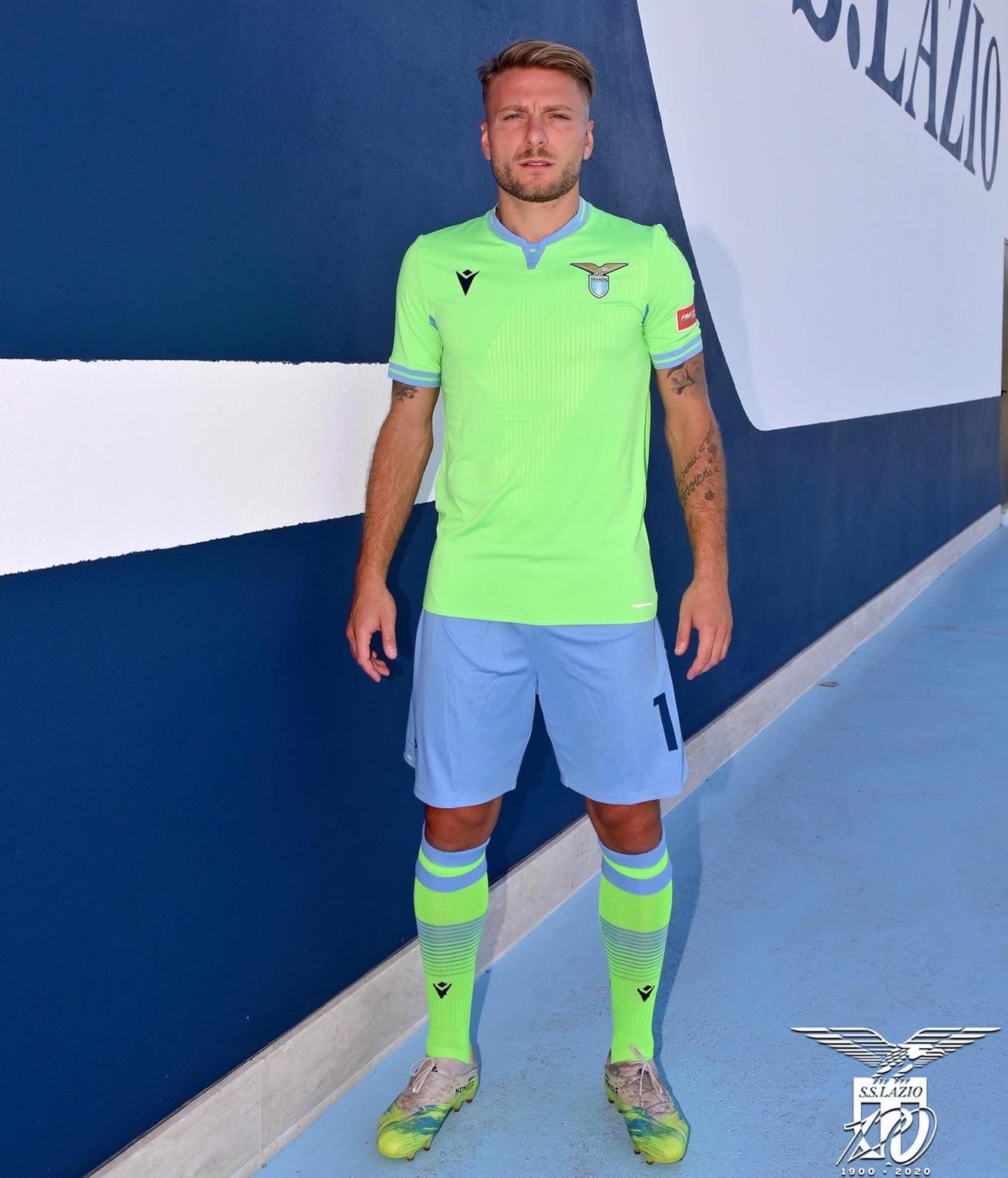 Camiseta suplente Macron de la Lazio 2020/2021 | Imagen Twitter Oficial