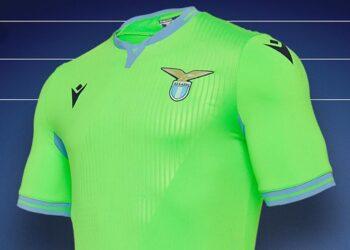 Camiseta suplente Macron de la Lazio 2020/2021   Imagen Twitter Oficial