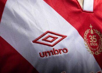 Camiseta titular de Argentinos Juniors 2020/21 | Imagen Umbro