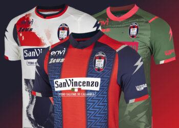 Camisetas Zeus del FC Crotone 2020/21 | Imagen Web Oficial