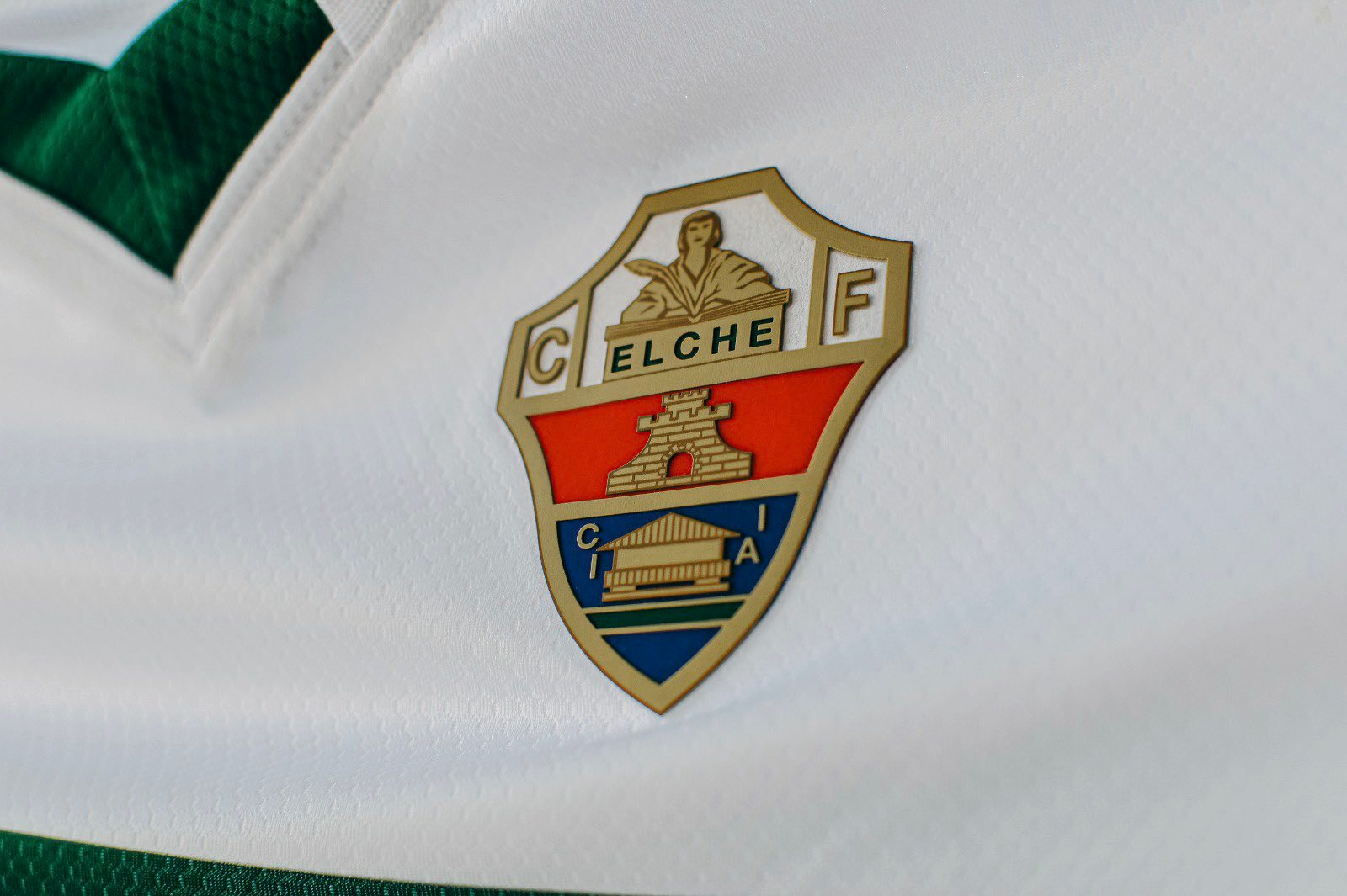 Equipación Hummel del Elche CF 2020/2021   Imagen Twitter Oficial