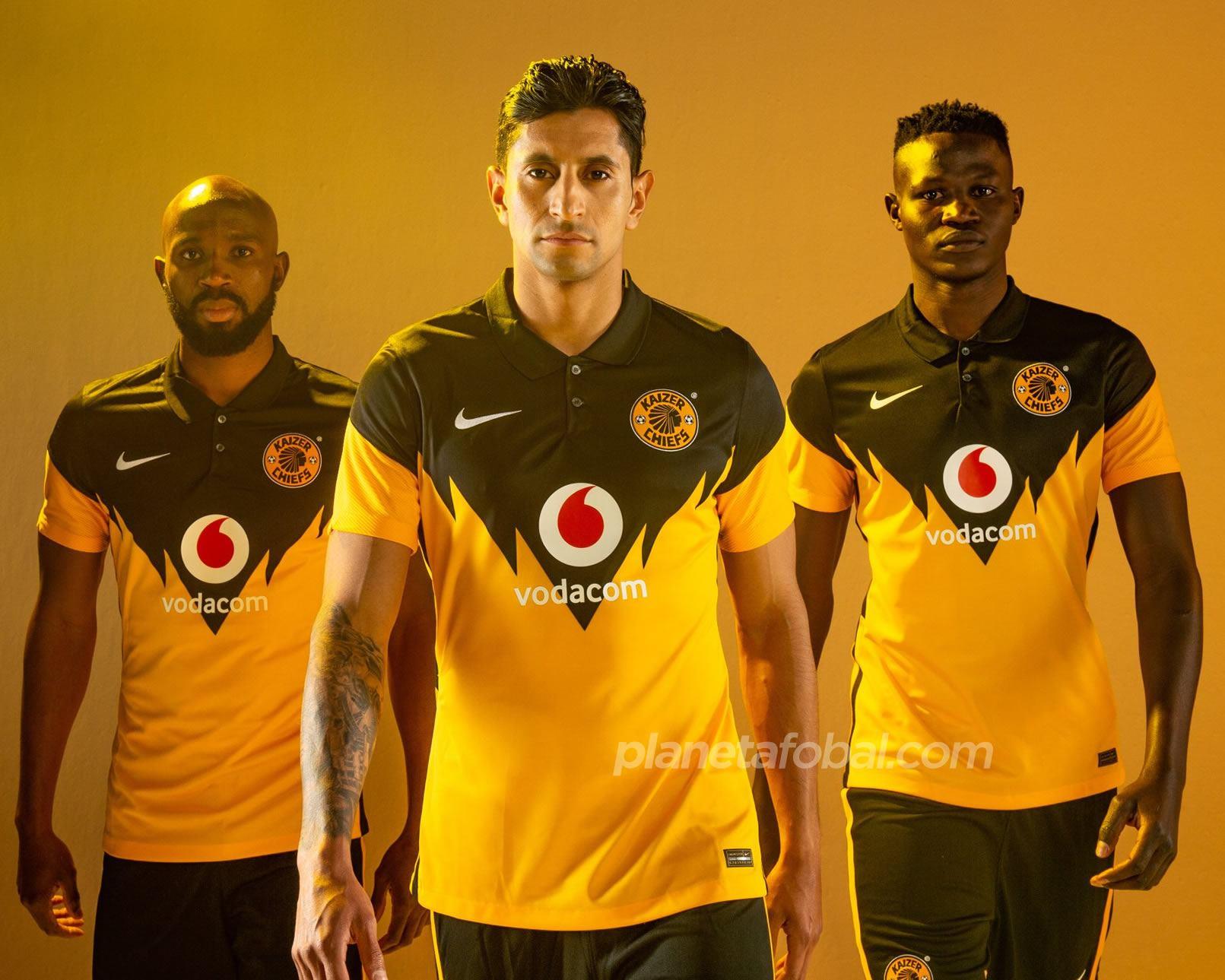Camisetas Nike del Kaizer Chiefs 2020/21 | Imagen Web Oficial