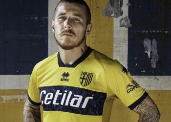 Camiseta suplente Erreà del Parma Calcio 1913 2020/21 | Imagen Web Oficial