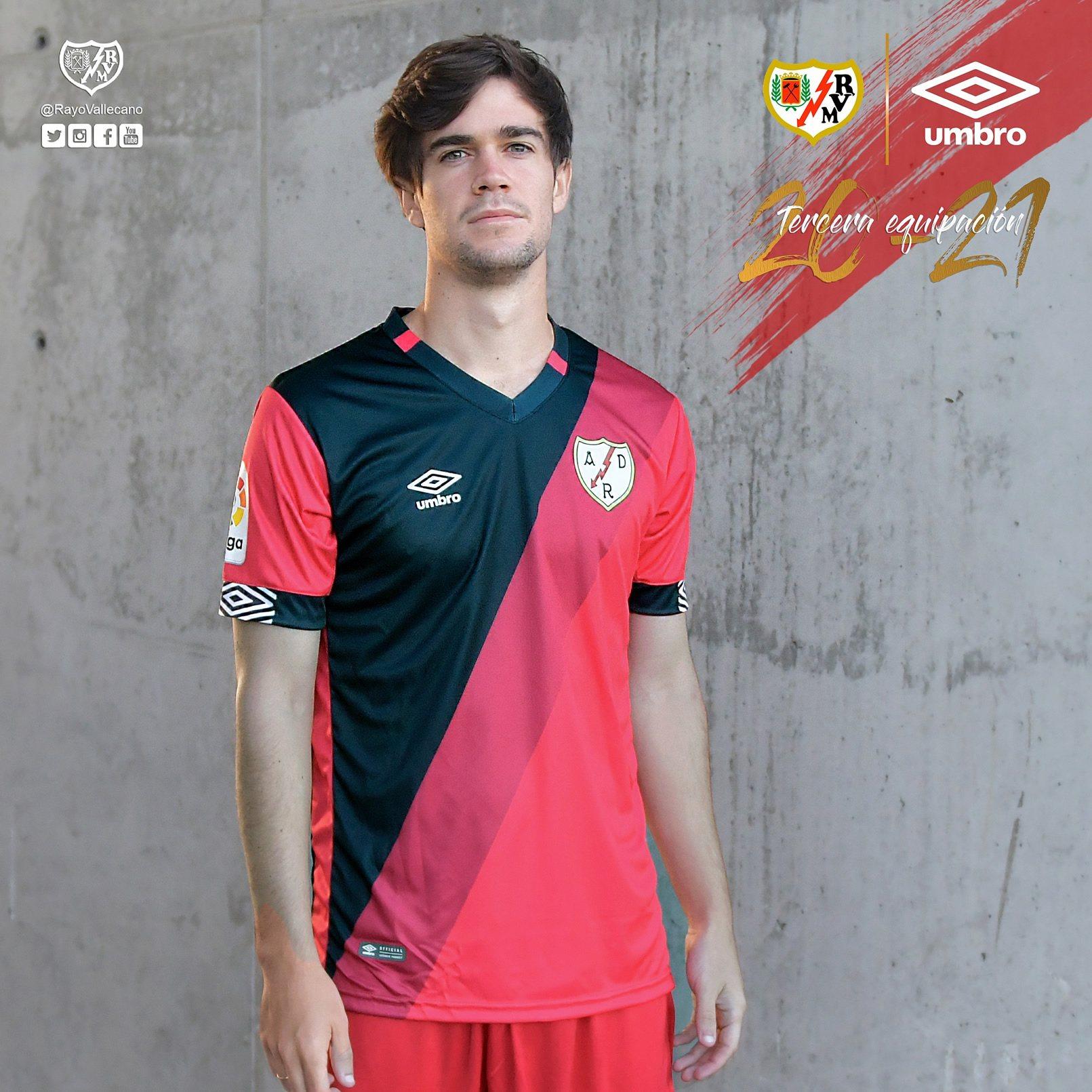 Equipaciones Umbro del Rayo Vallecano 2020/21 | Imagen Twitter Oficial