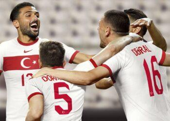 Camiseta titular de Turquía 2020/2021 | Imagen Nike