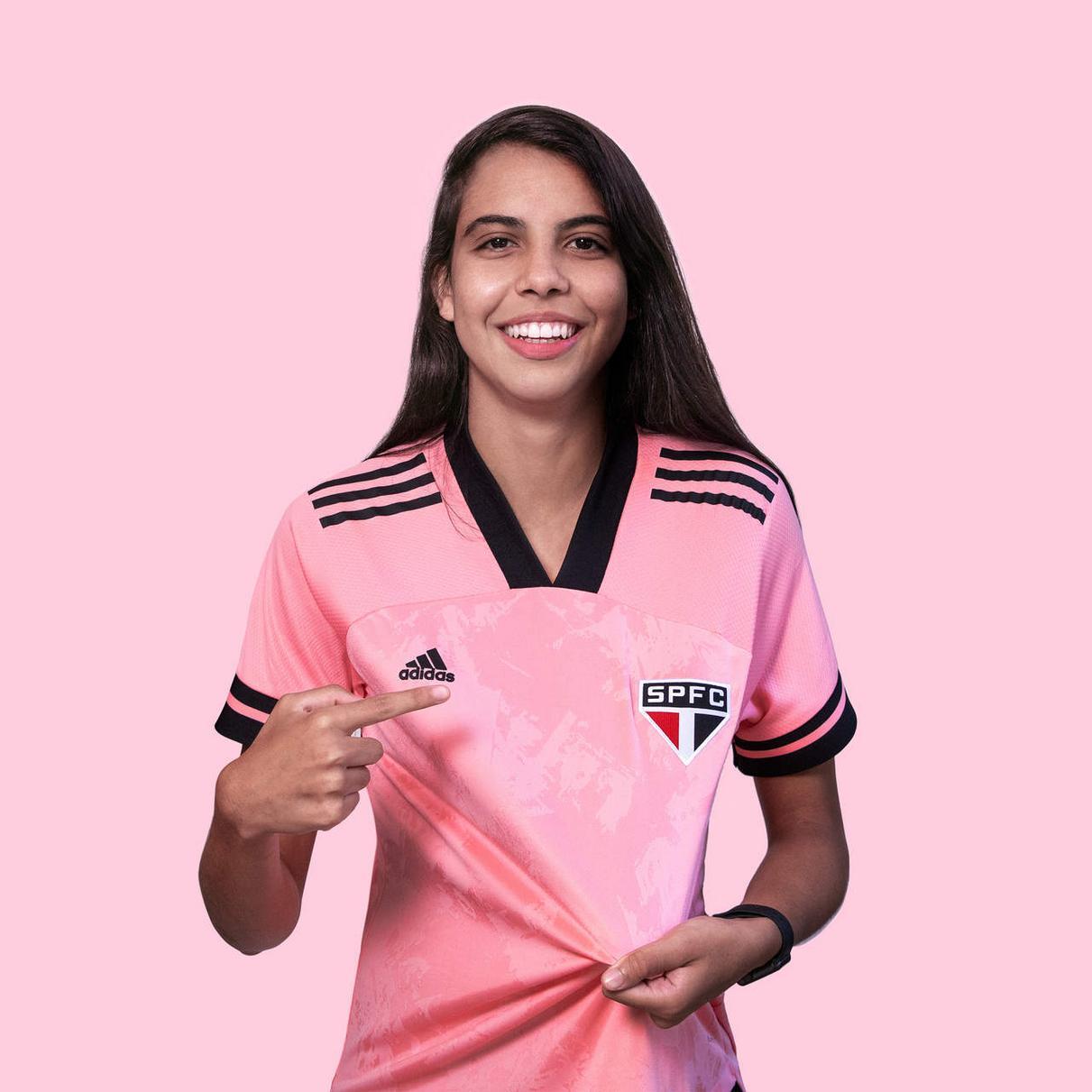 "Camiseta ""Outubro Rosa"" 2020 del São Paulo | Imagen adidas"