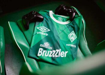 "Camiseta Umbro del Werder Bremen 2020/21 ""ESports"" | Imagen Web Oficial"