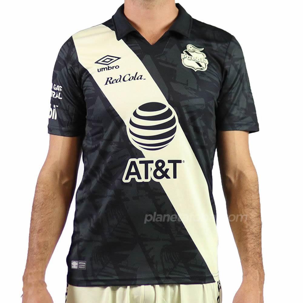 Tercera camiseta Umbro del Club Puebla 2020/21   Imagen Web Oficial