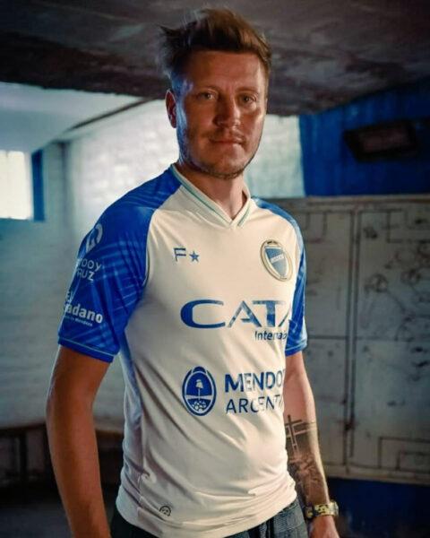 Camiseta alternativa Fiume Sport de Godoy Cruz 2020/2021 | Imagen Twitter Oficial