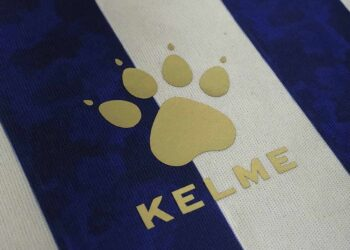 "Camiseta de Godoy Cruz ""Homenaje 100 años"" | Imagen Kelme"
