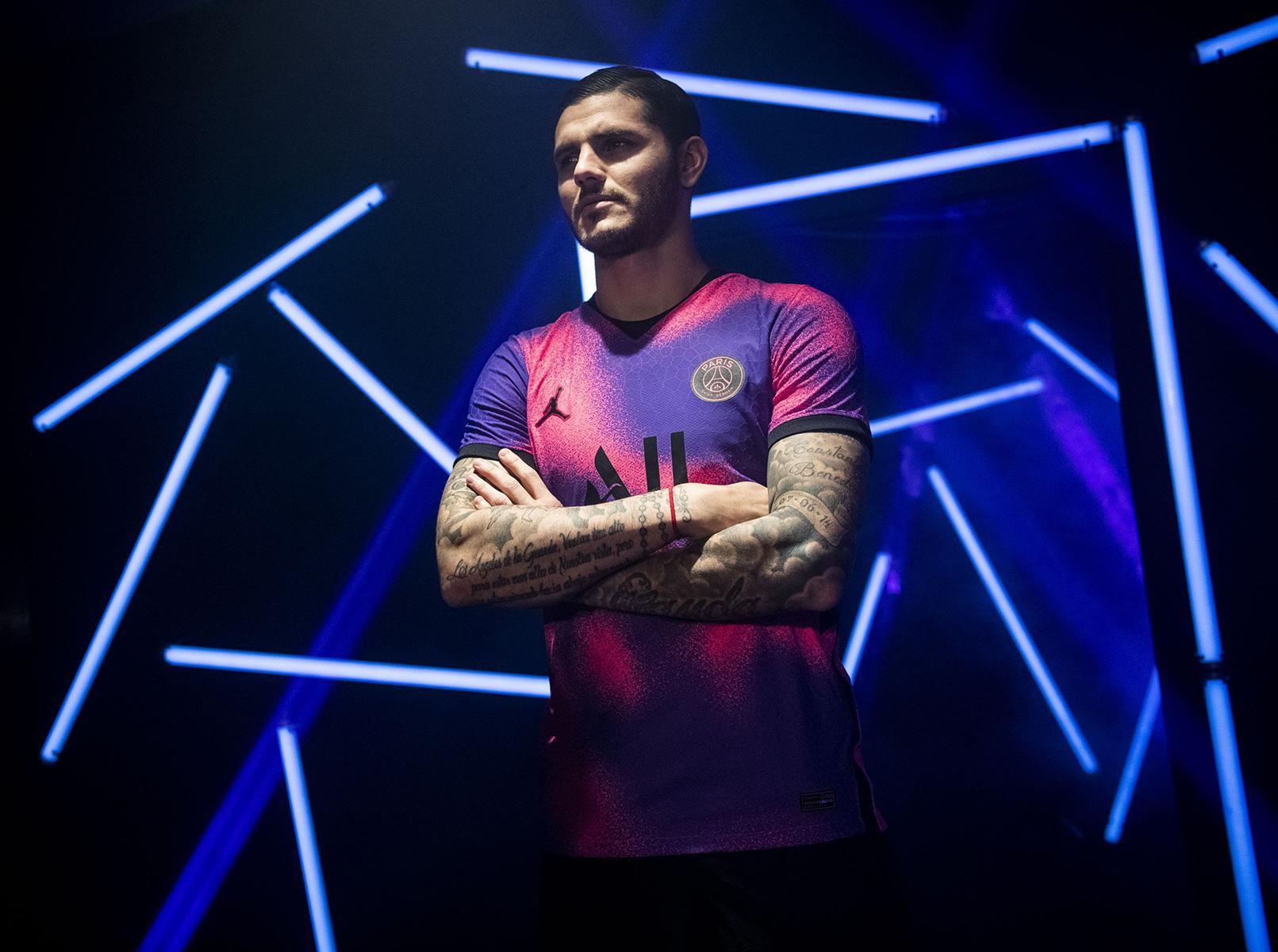 Icardi con la cuarta camiseta del PSG 2021 x Jordan   Imagen Nike