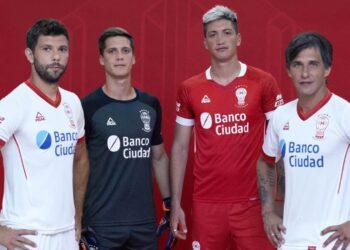 Nuevas camisetas 2021 de Huracán | Imagen Peak Sport