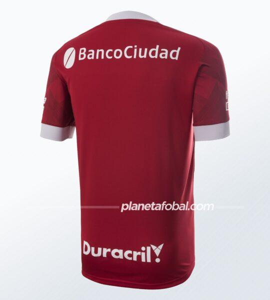 Camiseta suplente 2021 de Huracán | Imagen Peak Sport