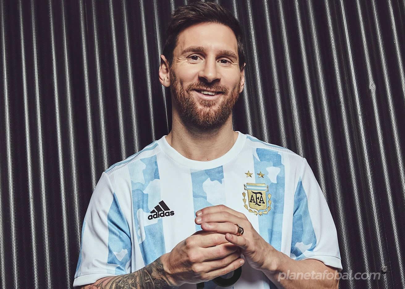 Lionel Messi con la nueva camiseta de Argentina 2021 | Imagen adidas