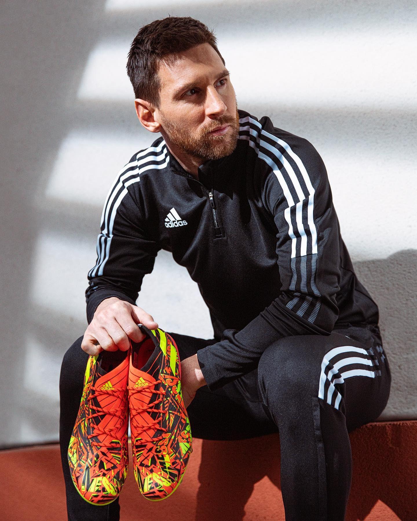 """Botines adidas de Lionel Messi """"Rey del balón"""""""