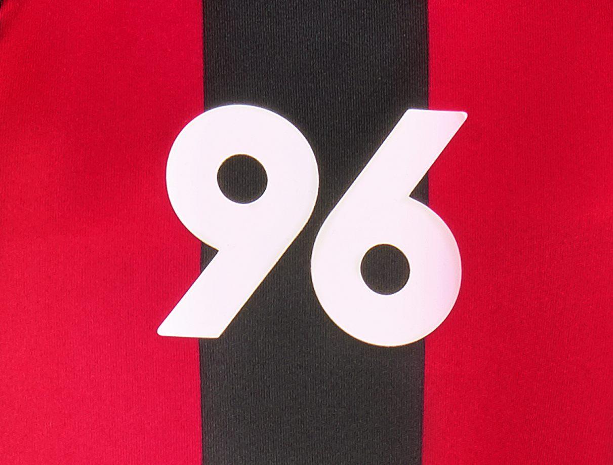 """Camisetas Macron del Hannover 96 """"125 Aniversario"""""""