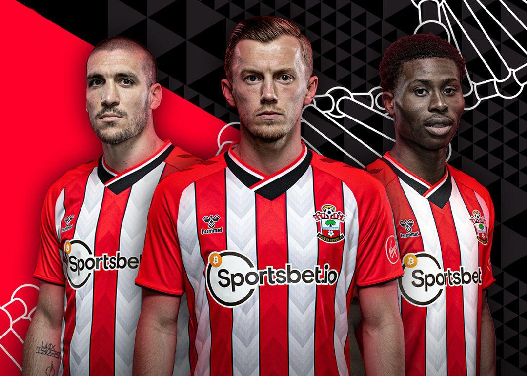 Camiseta Hummel del Southampton FC 2021/22   Imagen Web Oficial