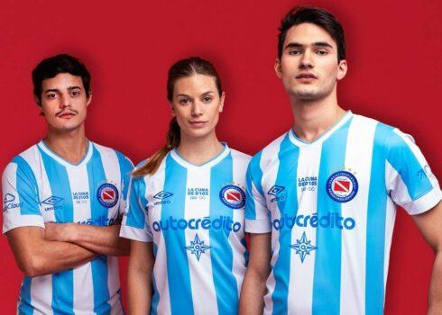 Tercera camiseta Umbro de Argentinos Juniors 2021/22
