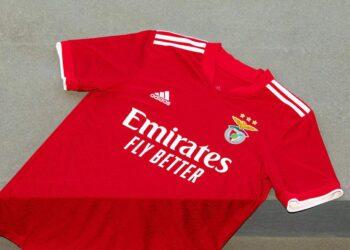 Camiseta titular adidas del Benfica 2021/22