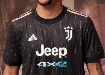 Camiseta suplente adidas de la Juventus 2021/2022