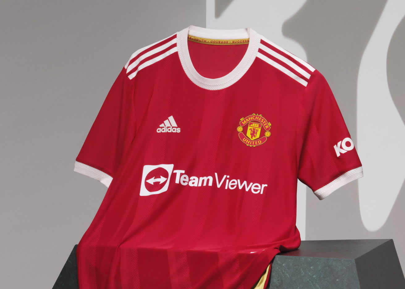 Camiseta adidas del Manchester United 2021/22