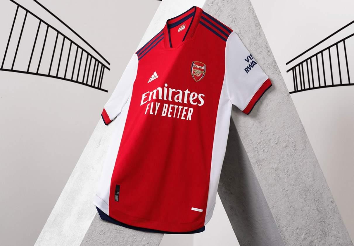 Camiseta titular adidas del Arsenal 2021/22
