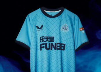 Tercera camiseta Castore del Newcastle 2021/22