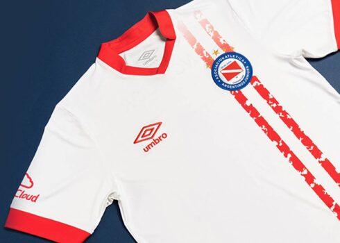Camiseta suplente Umbro de Argentinos Juniors 2021/22