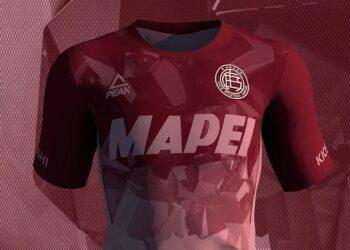 Tercera camiseta Peak de Lanús 2021/22